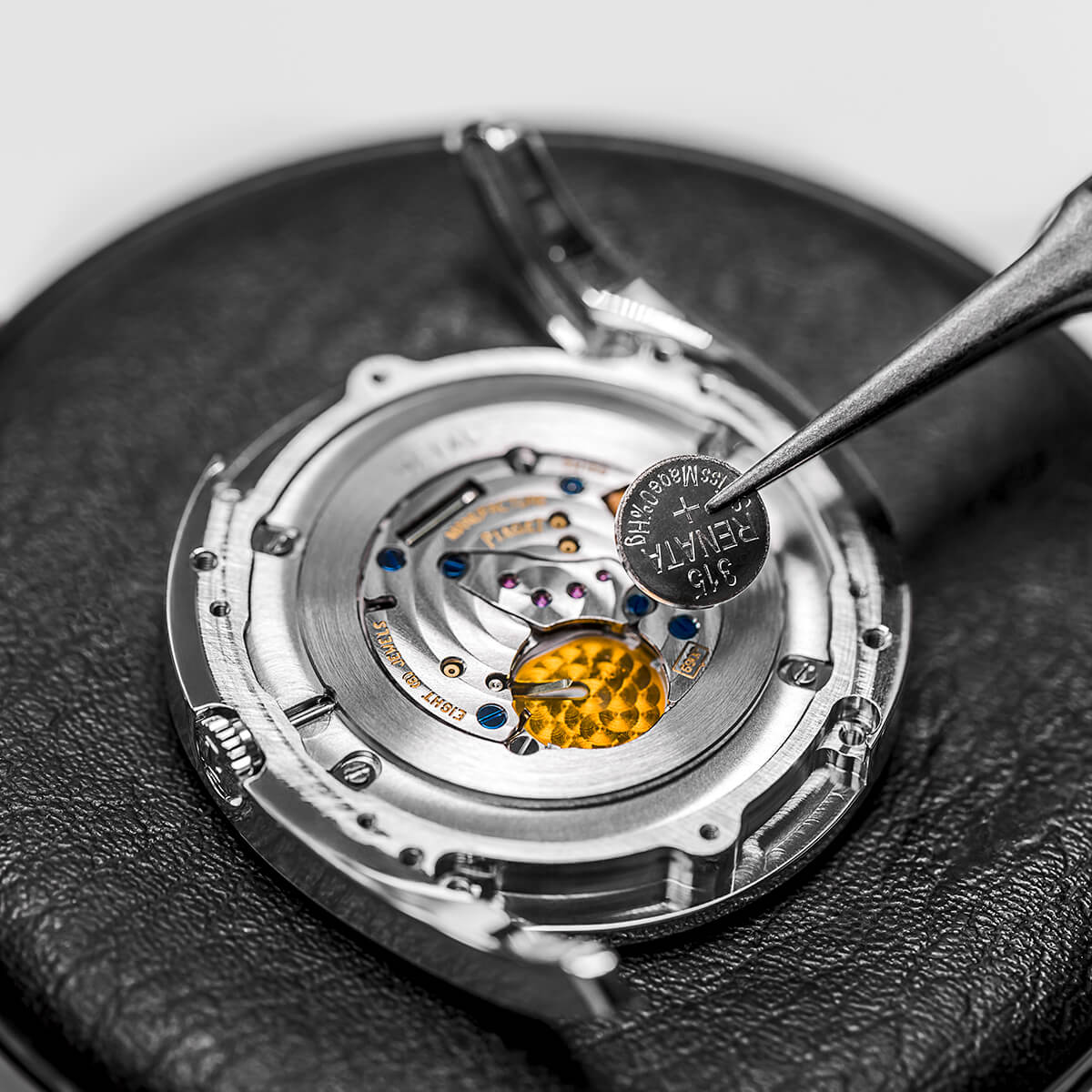 luxury watch battery replacement